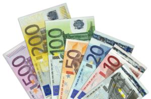 dinero en gestación subrogada